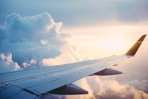 avión viaje vacaciones