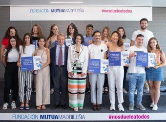 Ganadores NDAT con Lorenzo Cooklin y Rebeca Palomo