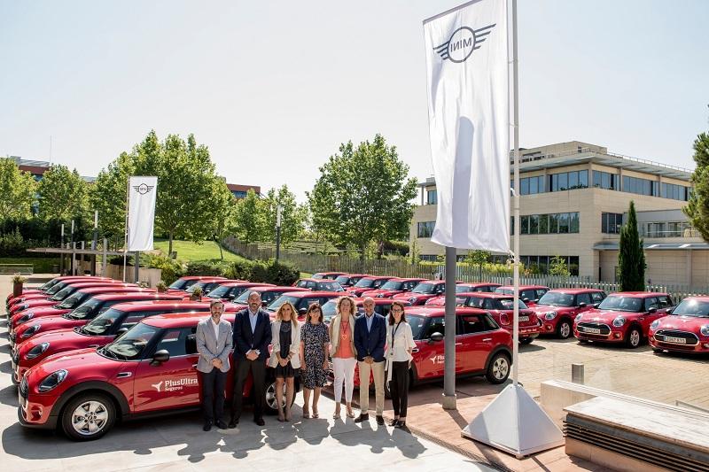 Plus Ultra entrega vehículos MINI a su red comercial
