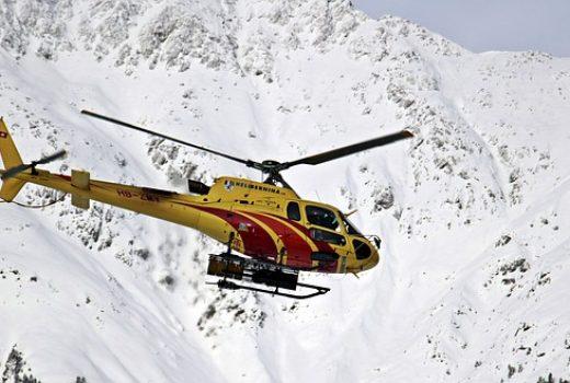 helicóptero montaña nieve rescate