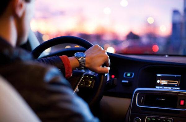 La tasa de mortalidad entre los conductores jóvenes desciende un 41% en la última década